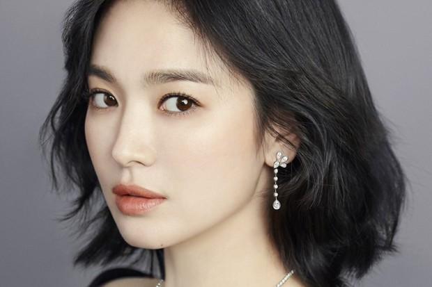 Bạn thân khoe ảnh vi vu New York cùng Lee Hyori, Song Hye Kyo có động thái hiếm hoi sau chuỗi ngày im lặng - Ảnh 2.