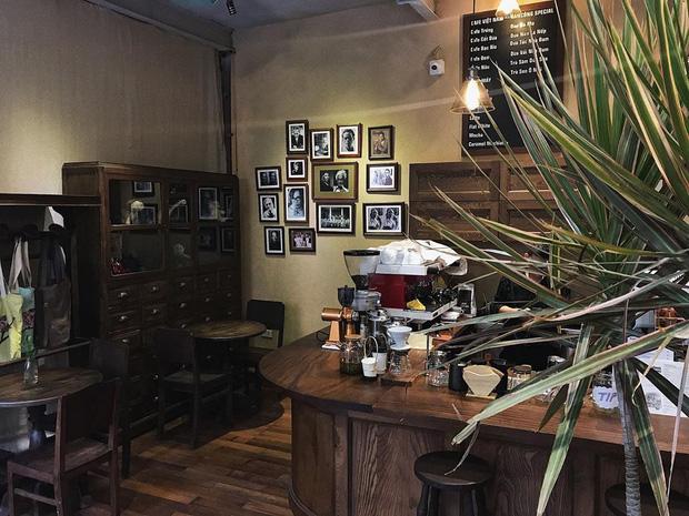 Đã nhiều lần nói về các quán cafe hoài niệm ở Hà Nội, nhưng chắc chắn nơi này sẽ đem đến 1 vibe rất khác cho tất cả chúng ta - Ảnh 3.