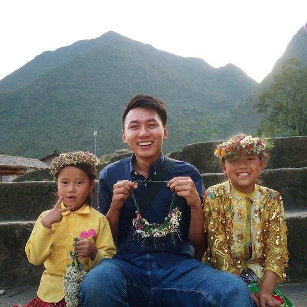 Hành trình đi dọc Việt Nam thắp sáng ước mơ cho trẻ em nghèo của anh chàng Khoai - Ảnh 1.