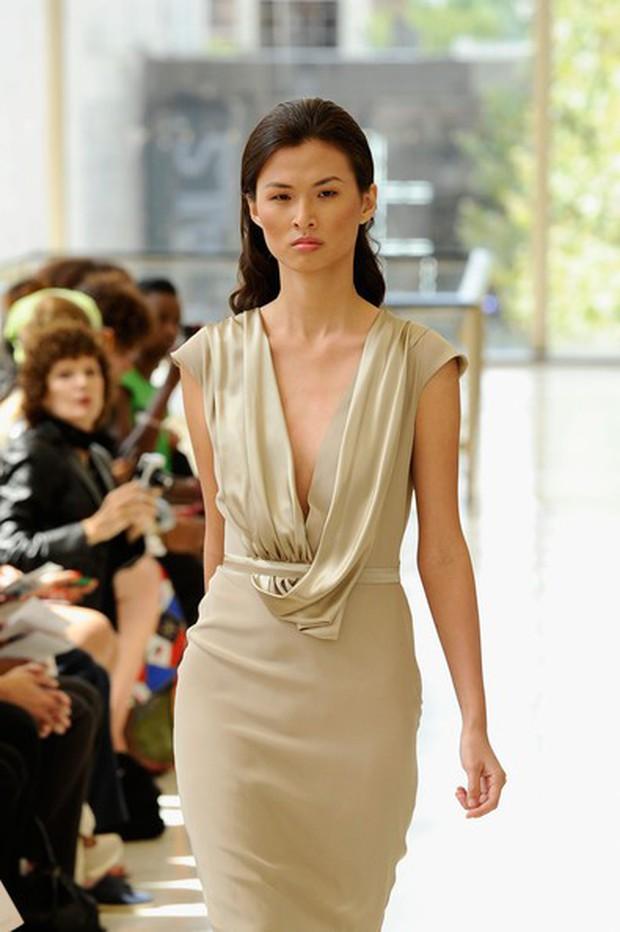 Dàn mẫu Vietnams Next Top Model: Các cô nàng cò hương dần tăng cân, lột xác về ngoại hình - Ảnh 11.