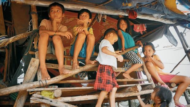 Hành trình đi dọc Việt Nam thắp sáng ước mơ cho trẻ em nghèo của anh chàng Khoai - Ảnh 2.