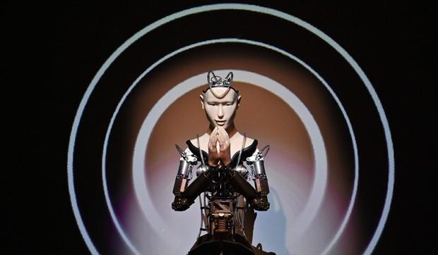 Lạ lùng ngôi đền Nhật Bản đem robot triệu đô về làm thầy tu - Ảnh 3.