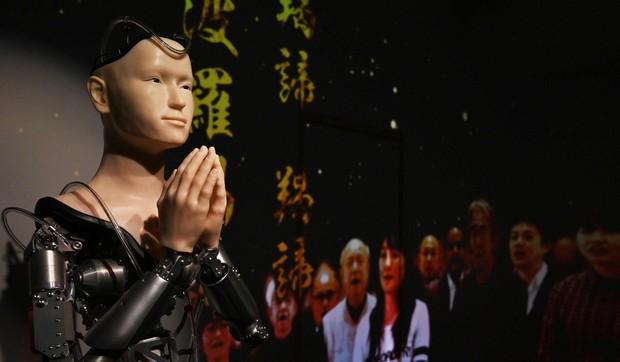 Lạ lùng ngôi đền Nhật Bản đem robot triệu đô về làm thầy tu - Ảnh 1.