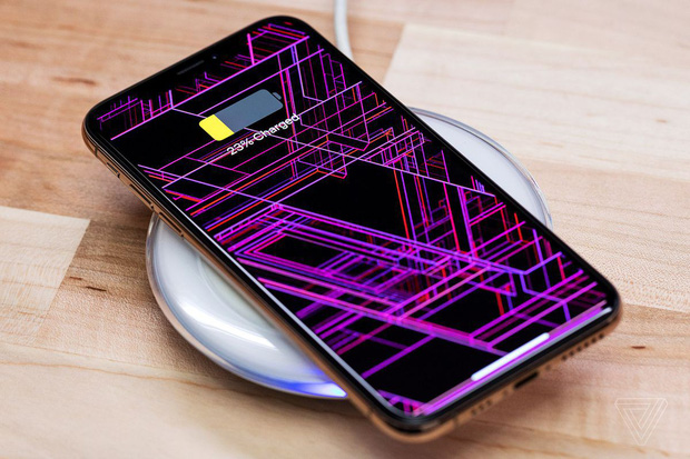 Bị gạch đá quá nhiều, Apple buộc phải thanh minh lý do hút máu người dùng về việc thay pin iPhone bên ngoài - Ảnh 2.