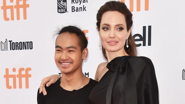Angelina Jolie bắt các con phải mặc quần áo và ăn đồ rẻ tiền? - Ảnh 2.