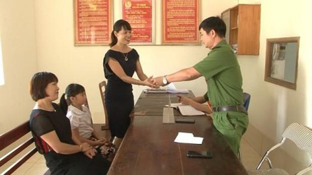Ninh Bình: Bé gái 9 tuổi trả lại 50 triệu đồng cho người đánh rơi - Ảnh 1.