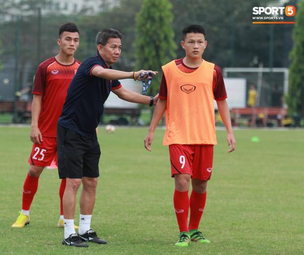 Ông Hoàng Anh Tuấn rời ghế HLV trưởng đội tuyển U18 Việt Nam sau trận thua muối mặt trước Campuchia - Ảnh 2.