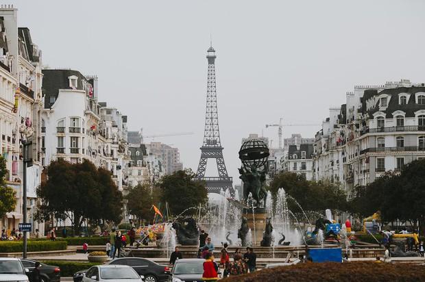 """Sửng sốt với tiểu Paris """"sao y bản chính"""" của Trung Quốc: Vẻ ngoài giống nhau đến kinh ngạc nhưng liệu có so được với bản gốc? - Ảnh 42."""