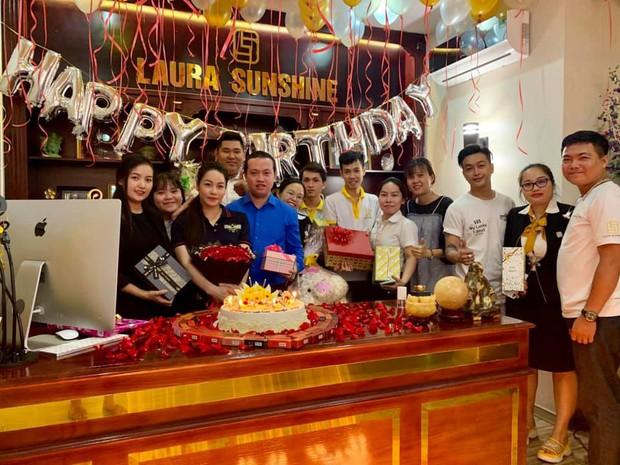 Hậu đăng đàn Thanh xuân bị lợi dụng, bóc lột, Titi HKT xuất hiện rạng rỡ mừng sinh nhật Nhật Kim Anh - Ảnh 2.