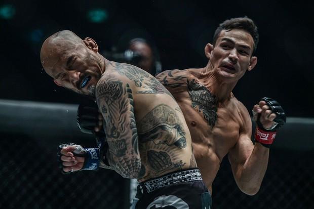 Hạ gục huyền thoại làng võ bằng đòn đánh trời giáng, tay đấm điển trai gốc Việt gây tiếng vang lớn tại giải MMA lớn nhất châu Á - Ảnh 2.