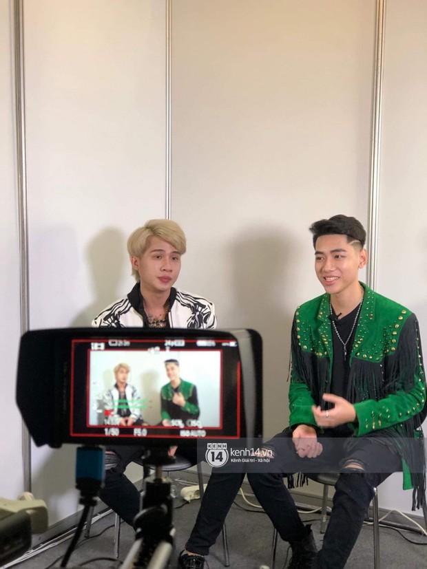 Ảnh hiếm từ Hàn Quốc: Jack và K-ICM bảnh bao hết nấc trong buổi phỏng vấn cho tạp chí đình đám xứ kim chi sau ồn ào - Ảnh 1.