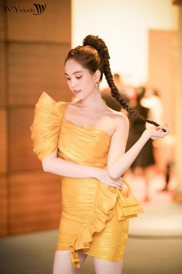 """Truy tìm """"chiếc đầm vàng trong làng showbiz Việt"""" - Ảnh 3."""