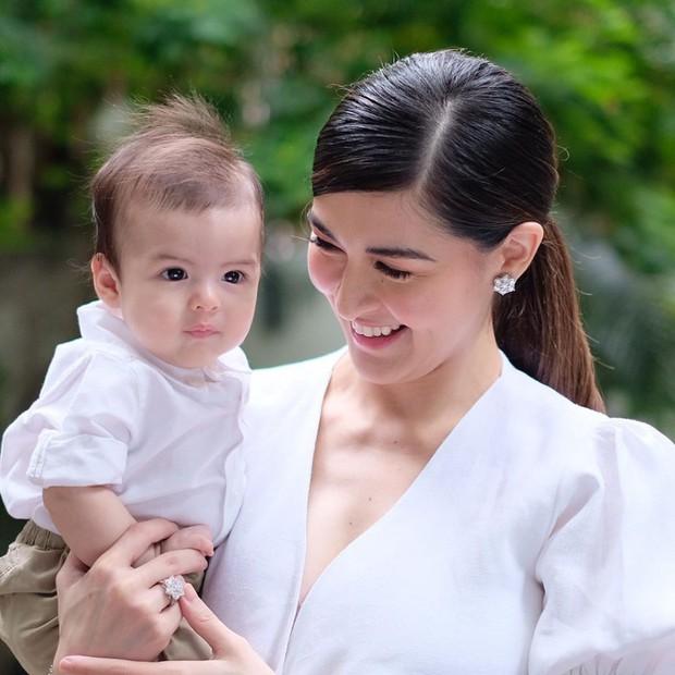 Hình ảnh cực đáng yêu của quý tử nhà mỹ nhân đẹp nhất Philippines gây bão MXH: Chắc kèo mỹ nam tương lai của châu Á! - Ảnh 3.