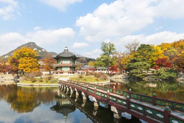 """""""Mặc kệ"""" Jack im hơi lặng tiếng, K-ICM vẫn """"quẩy"""" khắp Seoul, còn ghé thăm cung điện nổi tiếng nhất Hàn Quốc nữa này - Ảnh 11."""