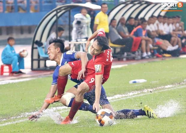 Fan Hoàng Anh Gia Lai bùng nổ tranh cãi: Tại sao cứ đổ lỗi cho trọng tài, trong khi đội bóng thực sự quá yếu? - Ảnh 2.