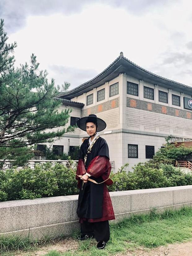 """""""Mặc kệ"""" Jack im hơi lặng tiếng, K-ICM vẫn """"quẩy"""" khắp Seoul, còn ghé thăm cung điện nổi tiếng nhất Hàn Quốc nữa này - Ảnh 14."""