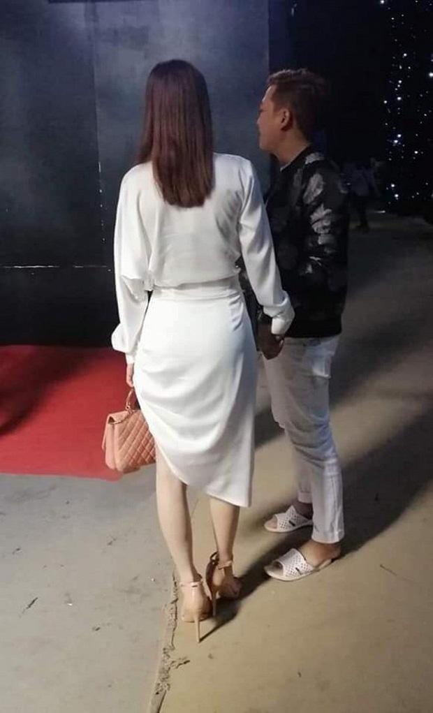 Nhã Phương lặn lội đến phim trường thăm Trường Giang, đôi nghệ sĩ hạnh phúc như vợ chồng son sau 1 năm cưới - Ảnh 1.