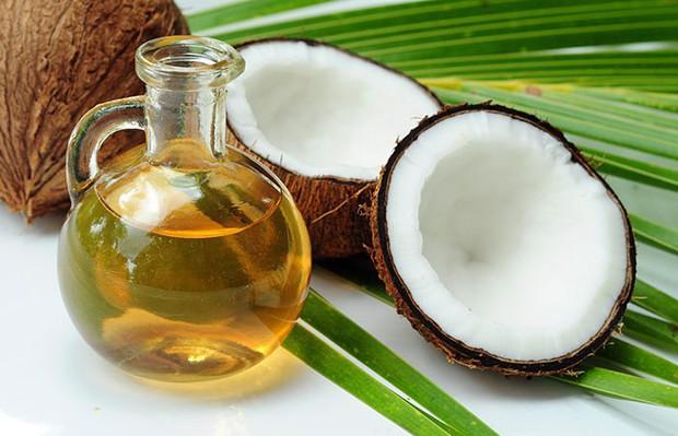 6 công thức đơn giản giúp bạn phục hồi độ ẩm cho tóc tại nhà - Ảnh 1.