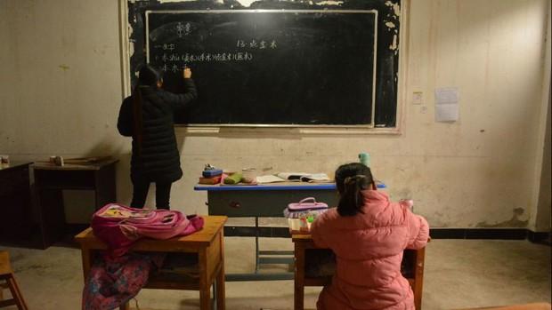 Những đứa trẻ bị bỏ rơi ở Trung Quốc khi bố mẹ ra thành phố mưu sinh: Trầm cảm vì tổn thương, rủ nhau tìm đến cái chết - Ảnh 3.