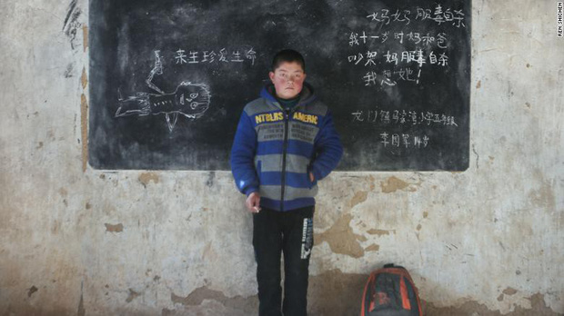 Những đứa trẻ bị bỏ rơi ở Trung Quốc khi bố mẹ ra thành phố mưu sinh: Trầm cảm vì tổn thương, rủ nhau tìm đến cái chết - Ảnh 5.