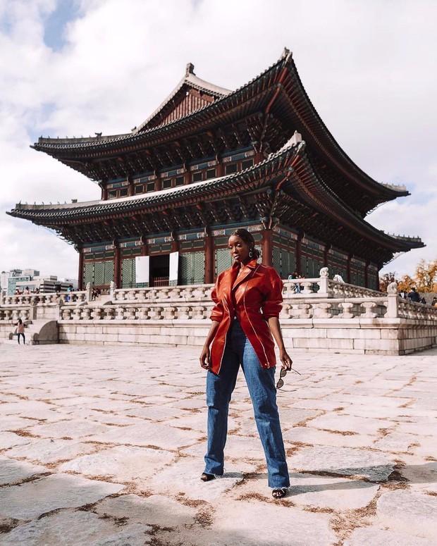 """""""Mặc kệ"""" Jack im hơi lặng tiếng, K-ICM vẫn """"quẩy"""" khắp Seoul, còn ghé thăm cung điện nổi tiếng nhất Hàn Quốc nữa này - Ảnh 16."""