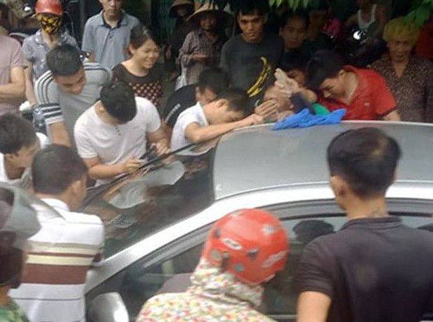 Find the heart to save the boy who was neglected in the car in Quang Ninh - Photo 1.