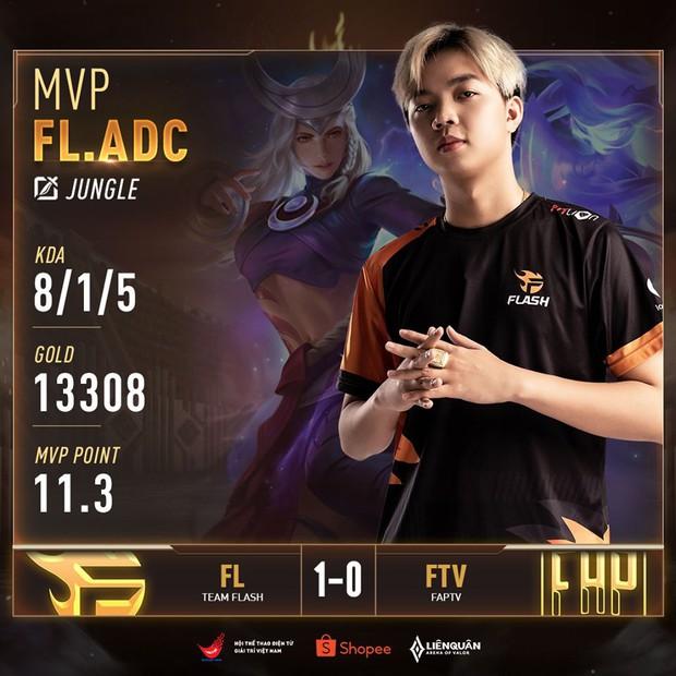 Không có bất ngờ: ADC chứng tỏ mình là người chơi Liên Quân Mobile xuất sắc nhất thế giới, Team Flash thắng dễ trước FAPTV! - Ảnh 4.