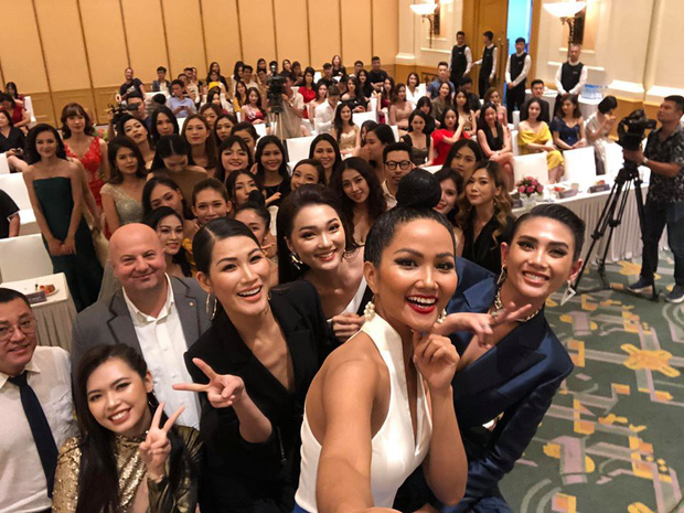 Võ Hoàng Yến, HHen Niê mỗi người một vẻ, cùng tái hiện màn giới thiệu đỉnh cao hô vang hai tiếng Việt Nam tại Miss Universe - Ảnh 6.