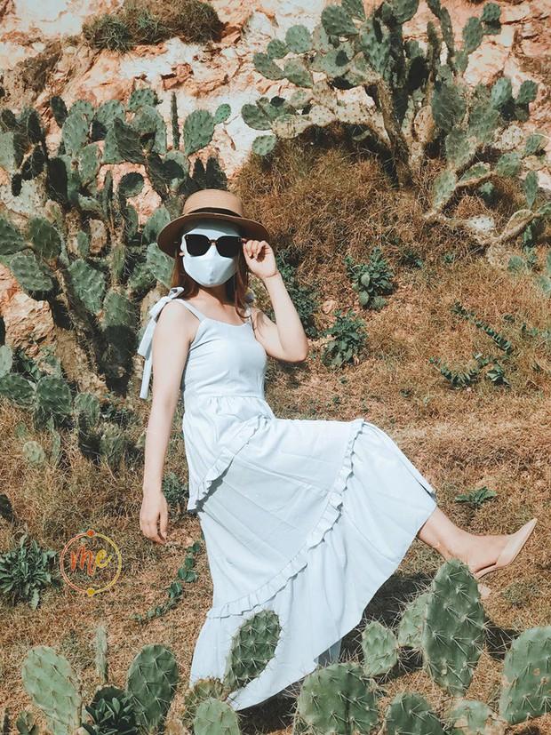 Về vùng biển vắng mà lại sợ cháy nắng, cô bạn tính hay cho ra đời bộ ảnh du lịch theo phong cách ninja khiến dân tình cười xỉu! - Ảnh 4.