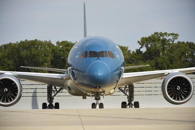Siêu máy bay Boeing 787-10 lớn nhất Việt Nam đáp xuống Nội Bài - Ảnh 4.