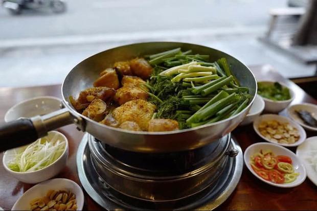 """Dương và Bảo hội tụ hậu """"Về nhà đi con"""" vào một ngày Hà Nội động mưa, ăn chả cá buổi trưa là quá hợp đây nè! - Ảnh 9."""