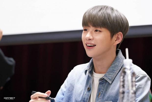 Hậu scandal tình ái với mỹ nhân nhà TWICE, center quốc dân Kang Daniel lại bị tố coi fan như cây rút tiền ATM - Ảnh 6.
