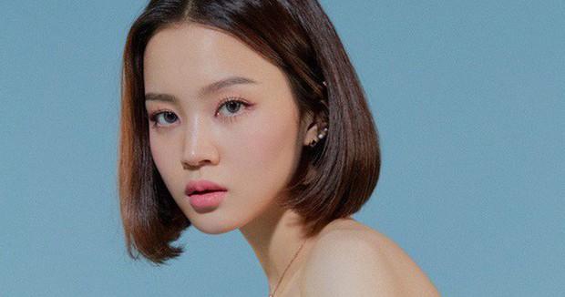 Những nữ ca sĩ Kpop sở hữu giọng hát trầm đặc biệt: Jihyo (TWICE), Lee Hi, Yuqi của (G)I-DLE góp mặt nhưng chẳng thấy Jisoo (BLACKPINK) đâu? - Ảnh 1.