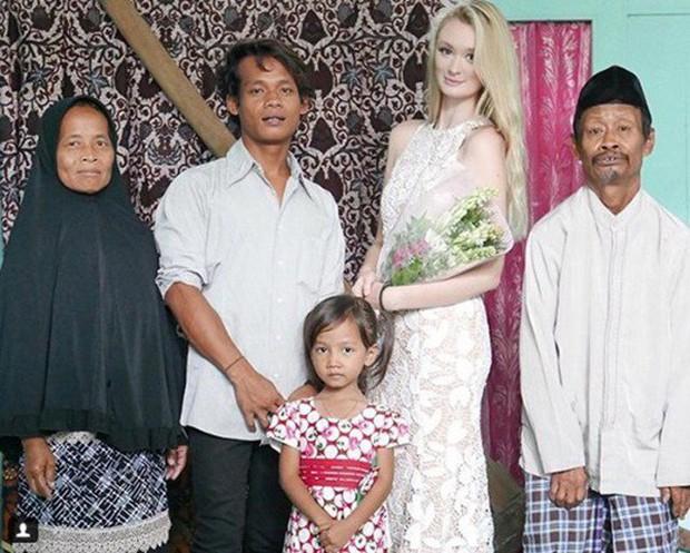 Cặp đôi chồng cú vợ tiên nổi như cồn ở Indonesia tiếp tục gây bão dư luận bởi một loạt khoảnh khắc ngọt ngào sau hơn nửa năm kết hôn - Ảnh 1.