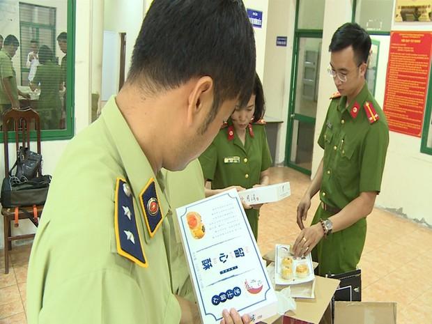 Hà Nội: Thu giữ hàng nghìn chiếc bánh Trung thu do nước ngoài sản xuất không rõ nguồn gốc - Ảnh 3.