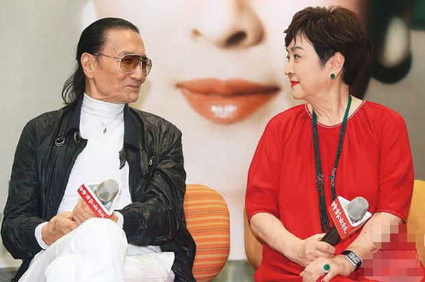 Tình yêu tuổi hoàng hôn: Bố Tạ Đình Phong 82 tuổi theo đuổi vợ cũ U75 sau thời gian dài yêu mỹ nhân đáng tuổi cháu - Ảnh 4.