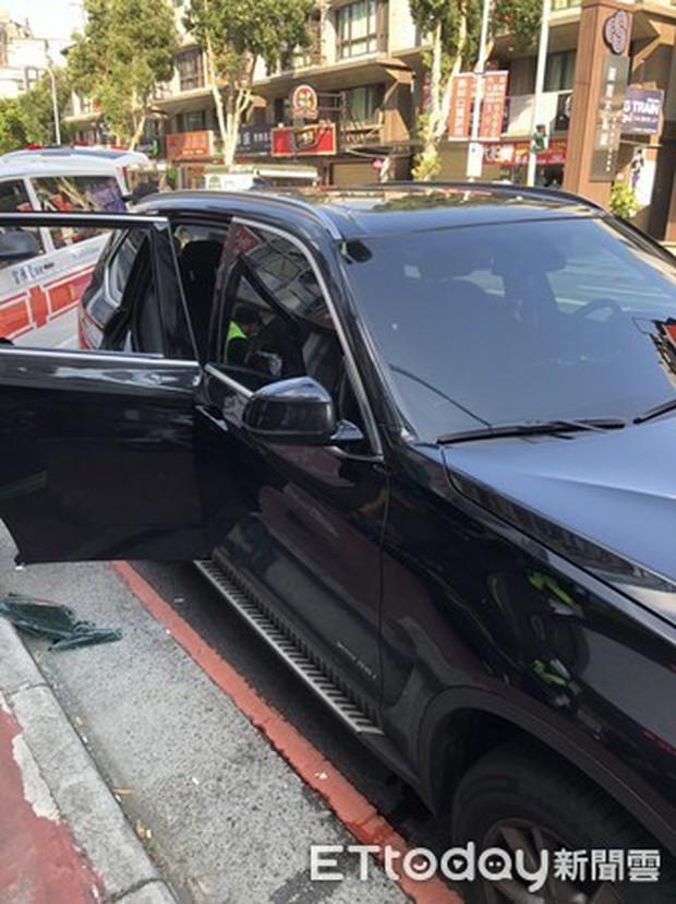 Con trai 2 tuổi bị kẹt trong ô tô, bố nhờ cảnh sát giải cứu nhưng cách anh cám ơn cơ quan chức năng khiến ai cũng phẫn nộ - Ảnh 3.