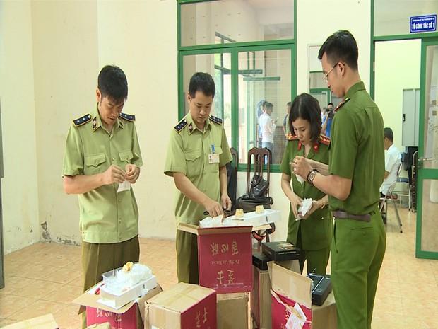 Hà Nội: Thu giữ hàng nghìn chiếc bánh Trung thu do nước ngoài sản xuất không rõ nguồn gốc - Ảnh 5.