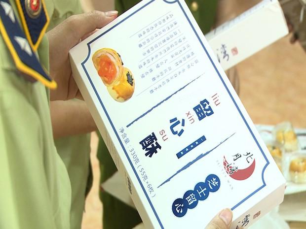 Hà Nội: Thu giữ hàng nghìn chiếc bánh Trung thu do nước ngoài sản xuất không rõ nguồn gốc - Ảnh 6.