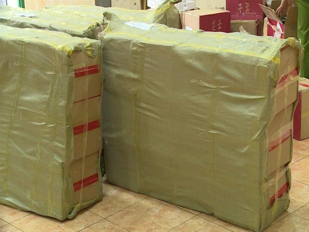 Hà Nội: Thu giữ hàng nghìn chiếc bánh Trung thu do nước ngoài sản xuất không rõ nguồn gốc - Ảnh 9.