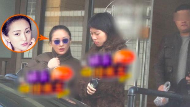 Choáng: Châu Tấn tái đăng ký kết hôn, chồng kém 23 tuổi và chính là con gái của tình địch 1 thời Vương Phi? - Ảnh 6.