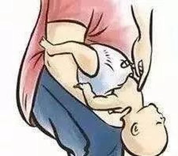 Thêm một trường hợp trẻ tử vong khi đang ăn, bạn đã nắm rõ cách sơ cứu trẻ bị hóc dị vật chưa? - Ảnh 4.