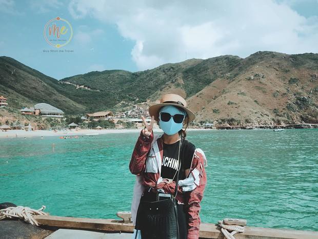 Về vùng biển vắng mà lại sợ cháy nắng, cô bạn tính hay cho ra đời bộ ảnh du lịch theo phong cách ninja khiến dân tình cười xỉu! - Ảnh 11.