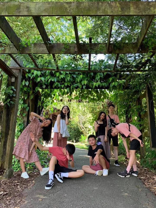 Không phải ai mọt sách cũng nhàm chán nhé, xem bộ ảnh du lịch Singapore của hot boy IELTS 8.0 cùng hội bạn cực phẩm là sẽ hiểu! - Ảnh 5.