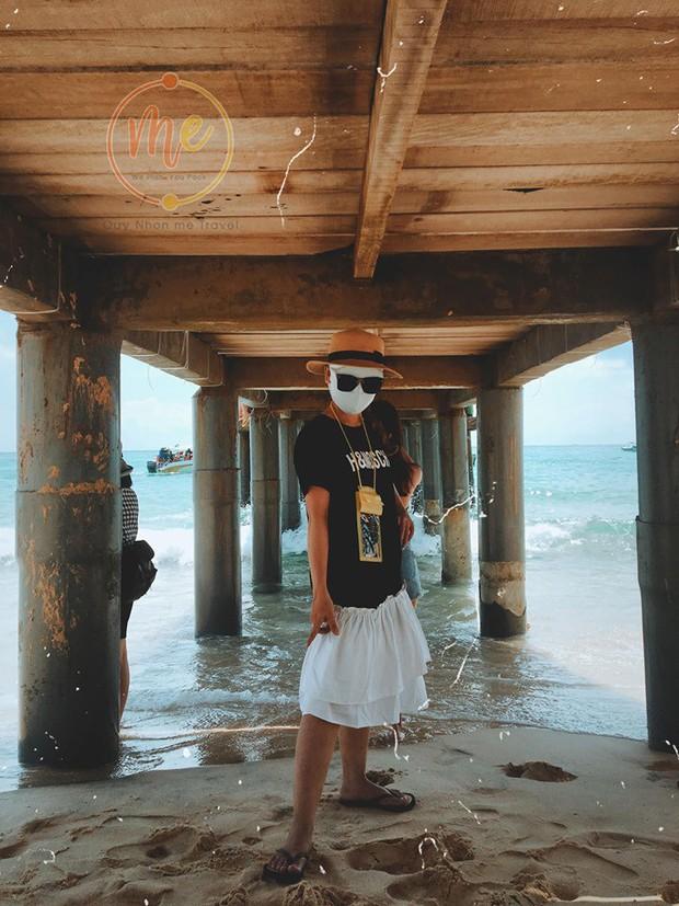 Về vùng biển vắng mà lại sợ cháy nắng, cô bạn tính hay cho ra đời bộ ảnh du lịch theo phong cách ninja khiến dân tình cười xỉu! - Ảnh 10.