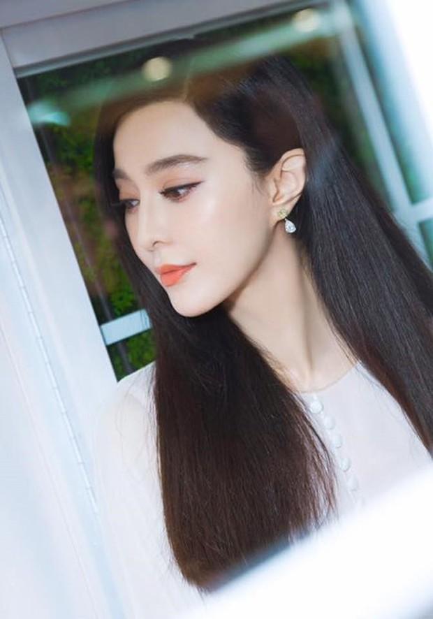 Netizen bầu chọn: Angela Baby sở hữu đôi mắt đứng top, mũi Phạm Băng Băng hoàn hảo bất chấp Song Hye Kyo - Jeon Ji Hyun - Ảnh 9.