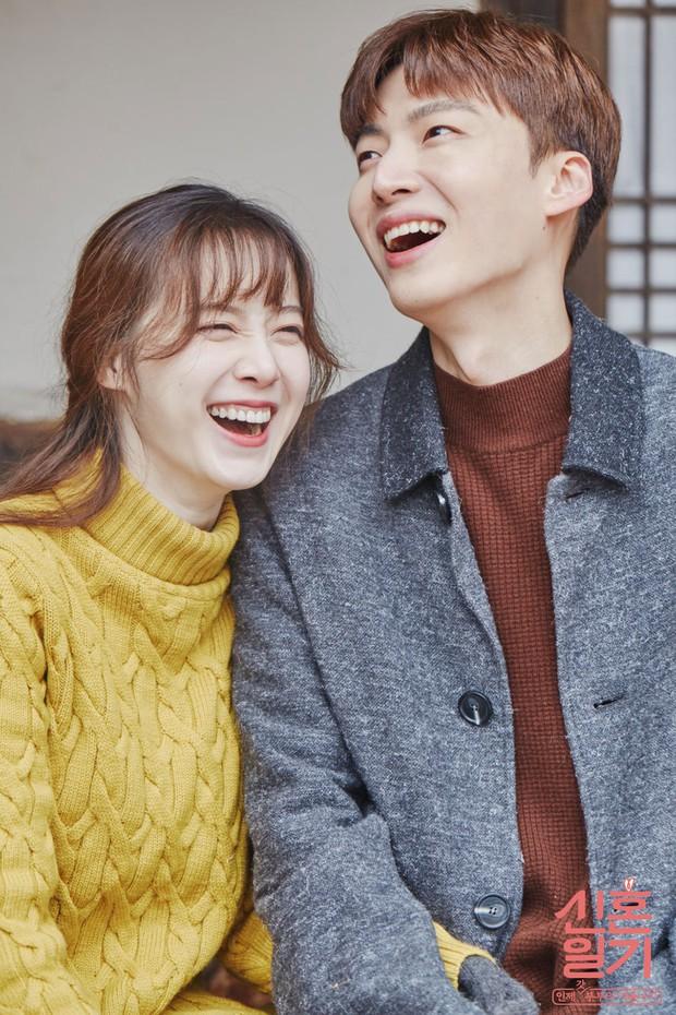Biến căng: Goo Hye Sun công bố tin nhắn vạch mặt Ahn Jae Hyun và CEO hùa nhau lăng mạ, còn đòi tiền chồng cũ - Ảnh 1.