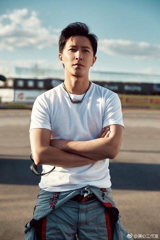 """Số phận idol ngoại quốc trong Big 3: JYP cưng """"gà"""" như cưng trứng, SM và YG liên tiếp bị tố đối xử bất công - Ảnh 11."""