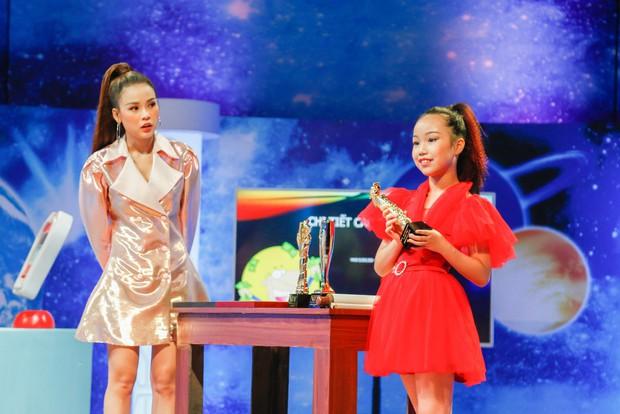 Shark nhí: Cậu bé 11 tuổi đem chữ ký của đội tuyển Việt Nam tặng ban cố vấn - Ảnh 3.