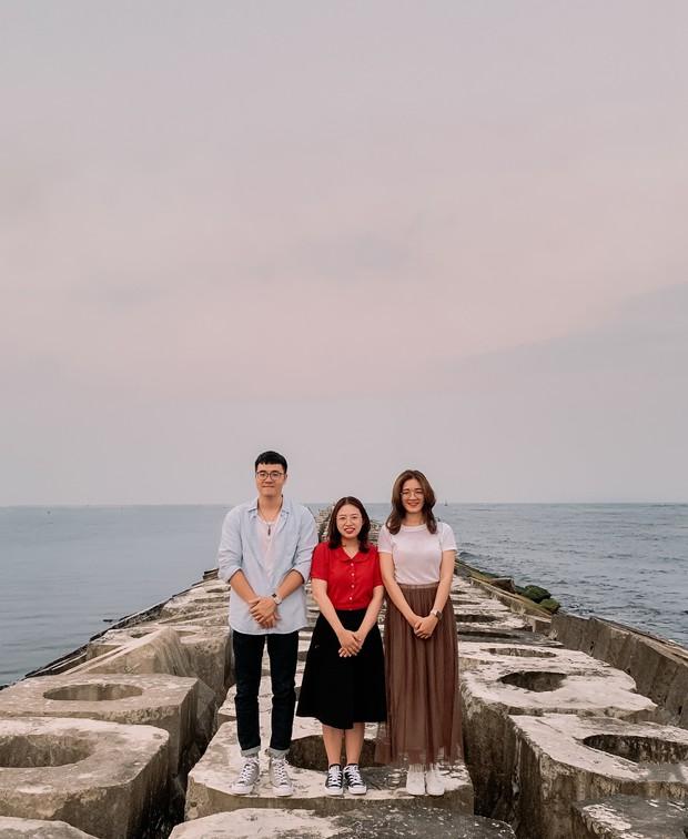 """Hội bạn thân nhà người ta: mỗi năm chỉ gặp nhau 1 lần, sau 17 năm cho ra đời bộ ảnh ở Huế vừa thơ vừa """"lạ"""" trông như chụp ở Hàn Quốc - Ảnh 10."""